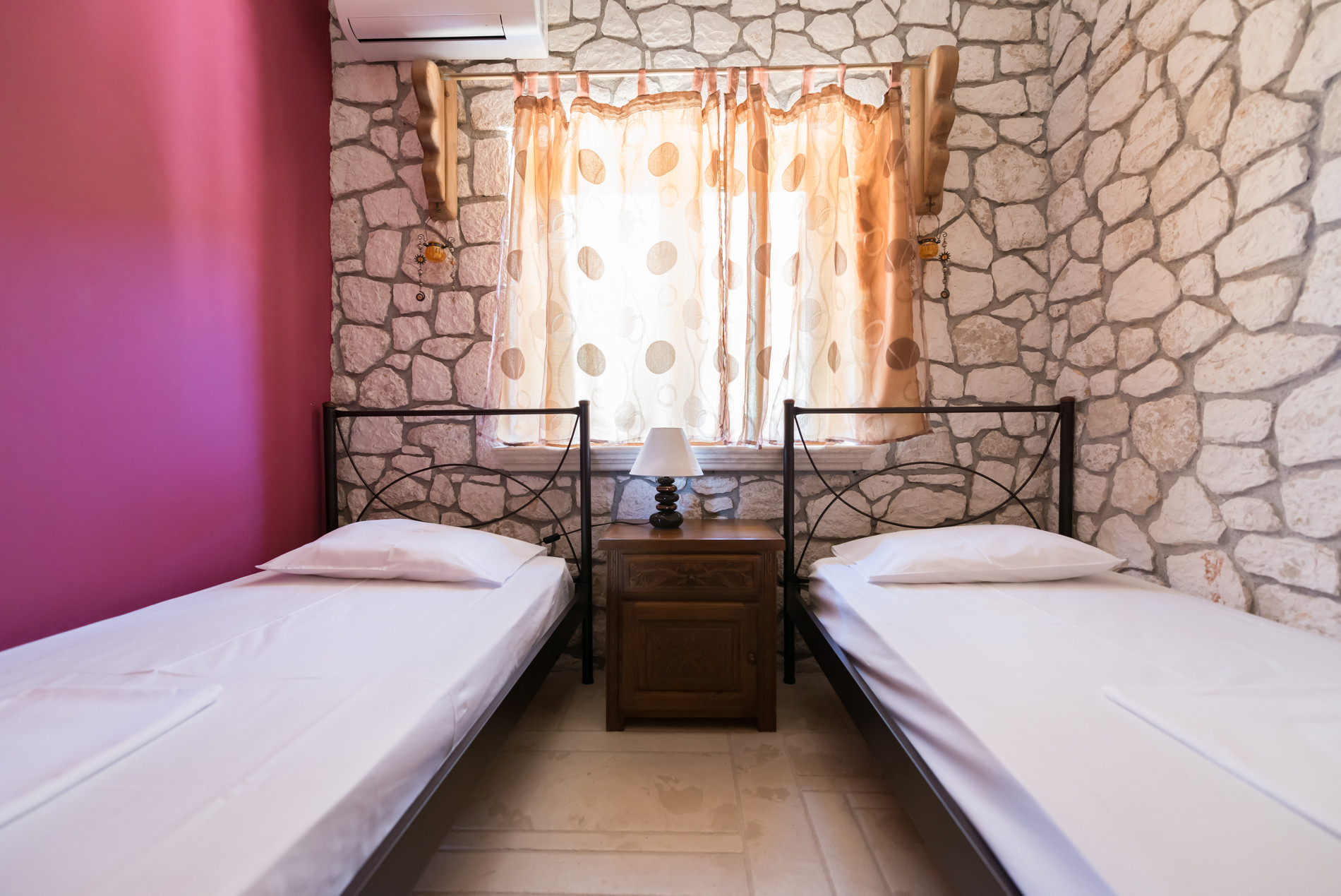 Odysseas single bedroom