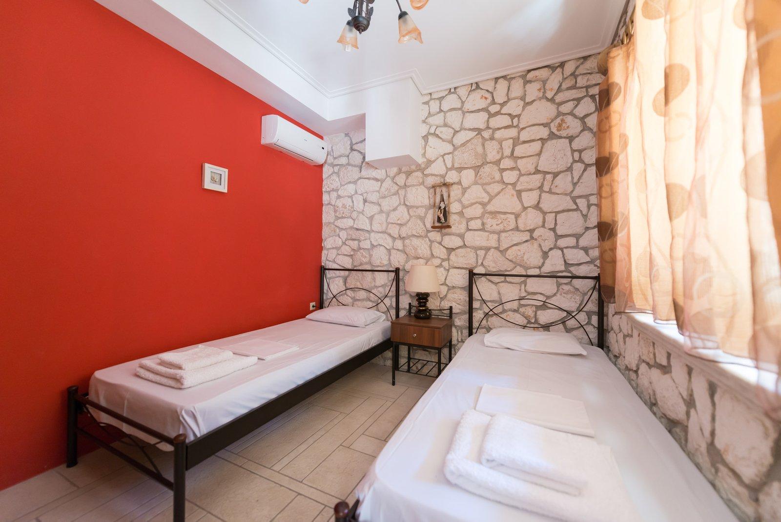 Tilemachos single bedroom